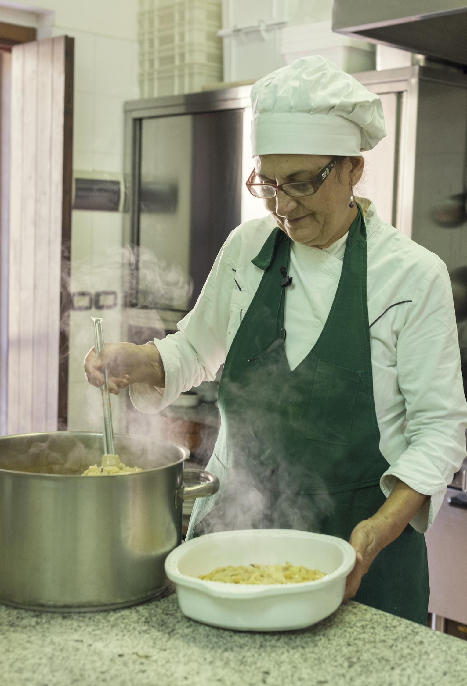 La lavorazione delle lagane | Ph. Flaviana Frascogna - Trentaremi