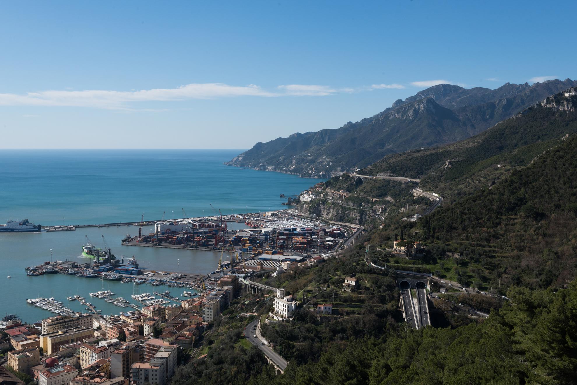 La Costiera Amalfitana dal castello di Arechi |  Ph. Flaviana Frascogna - Trentaremi